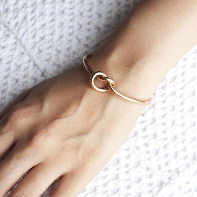 Narukvica-Knot-(Gold)-a.jpg